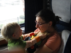 Fen & Mommy in the next roomette